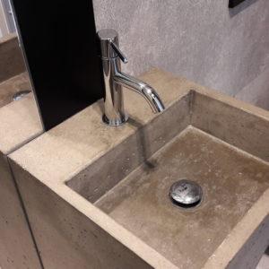 umywalka z betonu